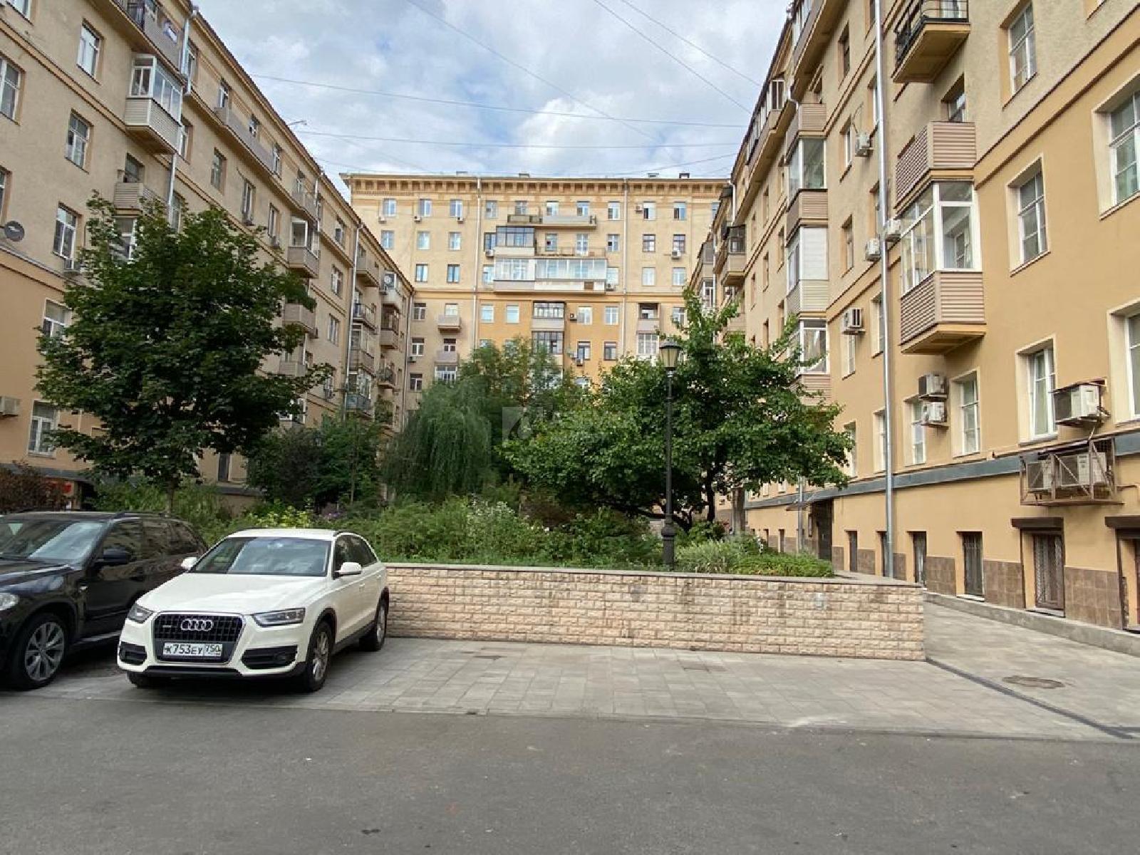Фото №1 - 4-комнатная квартира, Москва, Ленинградский проспект 14 корпус 1, метро Белорусская